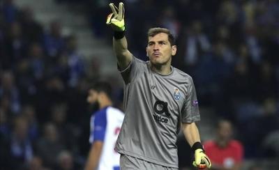 HOY / El Oporto inscribe a Iker Casillas