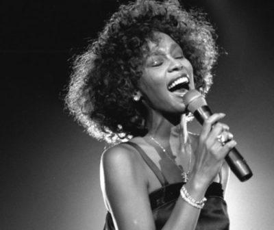 Un día como hoy, Whitney Houston cumpliría 56 años.