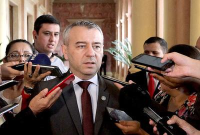 Gobierno admite que ofreció cargos a cambio de debilitar juicio político