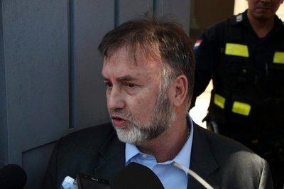 Cancillería desmiente reunión secreta entre hijo de Bolsonaro y Benigno López