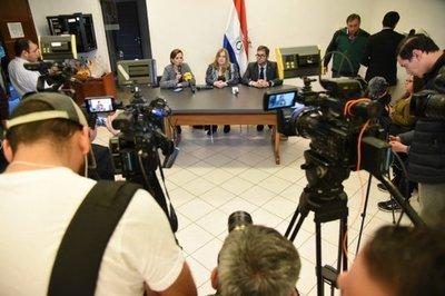 Mario Abdo pone a disposición de la Fiscalía su teléfono celular