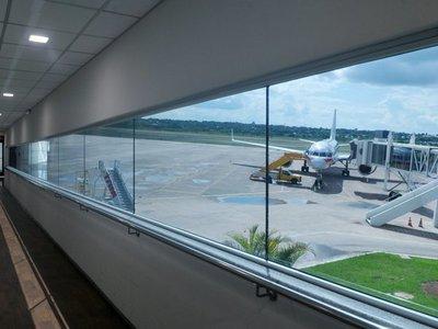 Paraguayo quería abrir puerta de avión en pleno vuelo