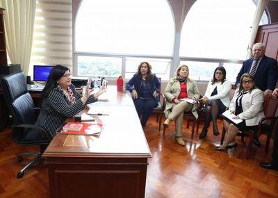 Ministra Llanes se reunió con jueces de Sentencia y actuarios penales