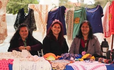 HOY / Mujeres emprendedoras realizaron una exitosa feria en Luque