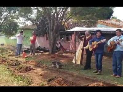 San Juan Bautista; limpian cuadras al son de polca paraguaya