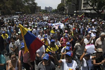 Venezuela: Oficialismo evalúa adelanto de elecciones parlamentarias