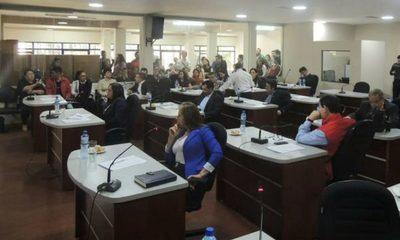 Dos bloques de corruptos en la Junta Departamental, enfrentados por intereses comunes