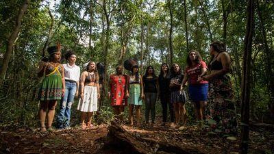 """Mujeres indígenas denuncian en Brasilia """"políticas genocidas"""" de Bolsonaro"""