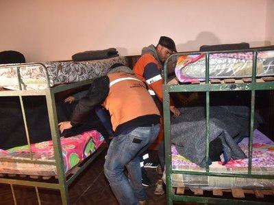 Varias personas se refugiaron de la fría noche en albergue de la SEN