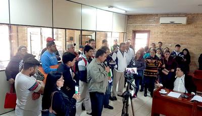 Con presión de vecinos, concejales zacariistas de CDE aprobaron obras de 55 empedrados