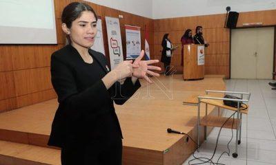 Promulgan ley que garantiza el acceso a la comunicación e información a personas sordas y con discapacidad auditiva
