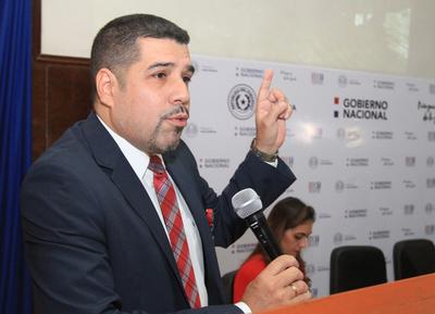 Fabián Domínguez va a Itaipú y Óscar Orué asume como viceministro de la SET