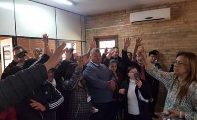 Concejales ceden a la presión ciudadana y aprueban empedrados