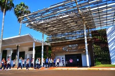 Más de 347.000 turistas visitaron atractivos de Itaipú a julio de 2019
