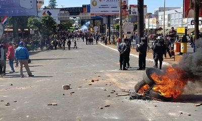 Incidentes entre Policía y manifestantes en el Microcentro