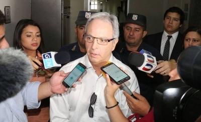 HOY / Tras 8 meses de encierro, Justo Cárdenas logra salir de Tacumbú