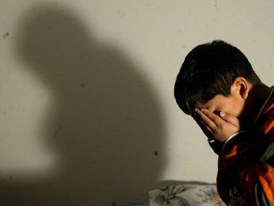 Condenan a 14 años a un hombre que abusaba de su hijastro