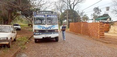 Controles a buses no sirven, pues no mejora servicio de transporte público
