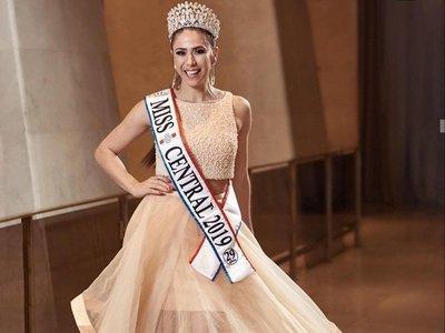 Cynthia Florenciani es la nueva Miss Paraguay y ligó críticas a bulto