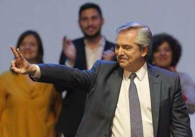 Alberto Fernández ve «razonable» la cotización del dólar a 60 pesos