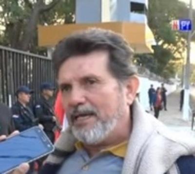 Liberan a escrachadores del monseñor Valenzuela
