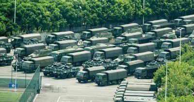 Fuerzas chinas cerca de Hong Kong, y EE.UU. pide calma