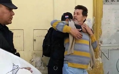 """Escrache a Arzobispo: Policía actuó al """"estilo stronista"""""""