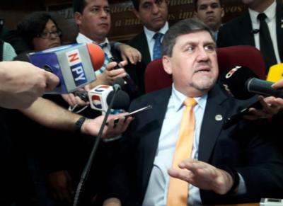 El Gobierno tendrá que esforzarse el triple para recuperar la credibilidad, según Blas Llano