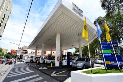 Argentina congela precio de combustibles por 90 días
