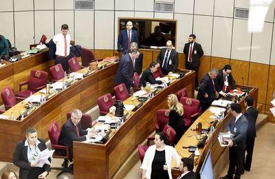 Senado convoca a sesión extra para modificar reglamento interno