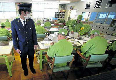 Japón: ancianos roban para ir a la cárcel y salir de la pobreza y la soledad
