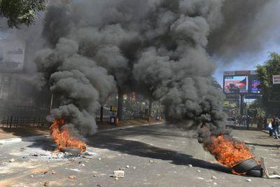 Protestas contra el Presidente afectan al comercio en CDE, según gremio