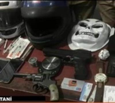Allanamiento en Santaní arroja 8 detenidos
