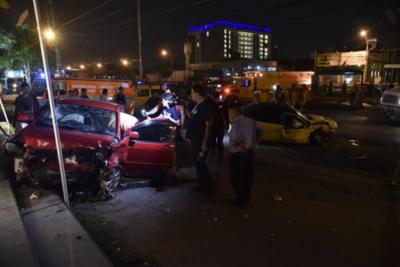 Cuatro heridos tras accidente de tránsito