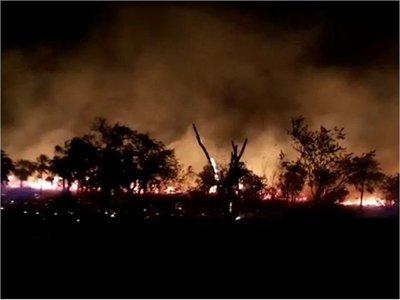Incendio de pastizal dificulta el tránsito en ruta Luque-San Bernardino