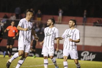 Libertad vence a River Plate y es puntero del Clausura