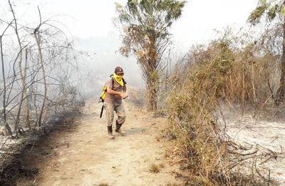 Vegetación devastada y 60 pobladores afectados tras incendio forestal