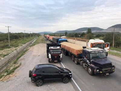 Mineros cierran ruta en Vallemí en busca de mejores precios
