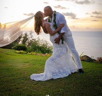 "Dwayne ""The Rock"" Johnson se casa en Hawái"