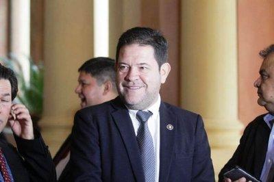 Armando Rodríguez asegura que no lo destituyen del IPS, sino que renuncia