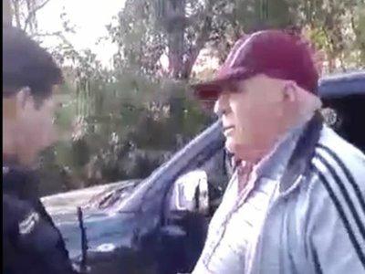 Acusan a concejal de atropellar una barrera policial