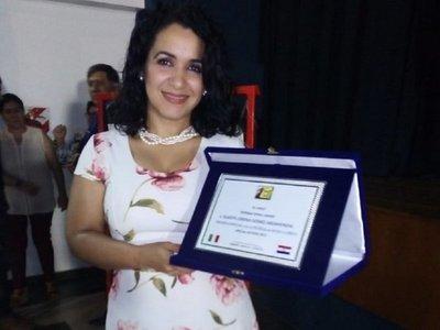 Cantante lírica paraguaya es reconocida con premio internacional