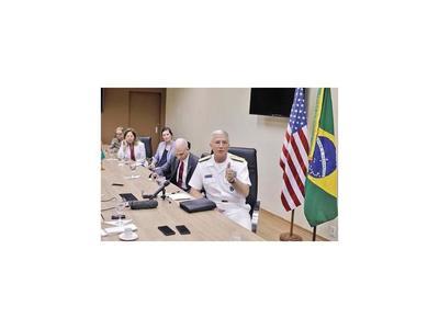 La Marina de EEUU espera orden para actuar en Venezuela