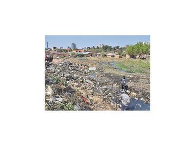 Sacan  basura de zonas ribereñas para retorno de los damnificados
