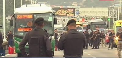 Secuestran autobús en Río de Janeiro