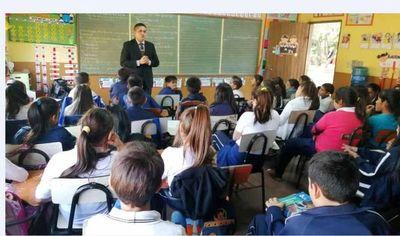 Escuela San Miguel recibe a Salvemos Nuestra Infancia