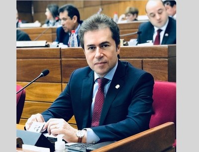 Castiglioni retomó su banca en la Cámara de Senadores