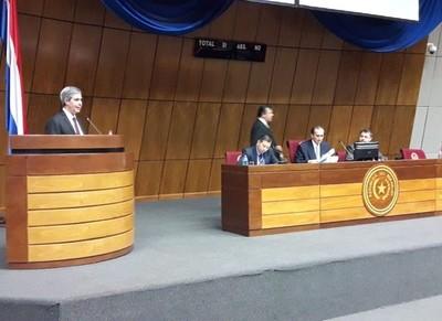 Extitular de la ANDE desafía al detector de mentiras a los demás involucrados en acta bilateral
