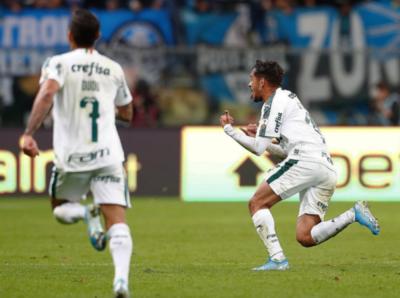 Gremio sucumbe y Palmeiras da el primer golpe