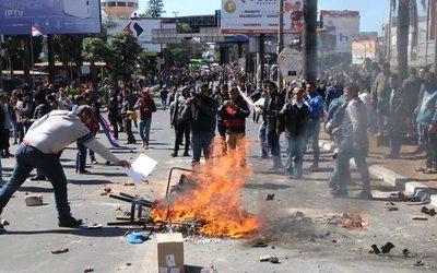 Sectores ratifican rotundo rechazo a cierre de comercios y del puente por protestas